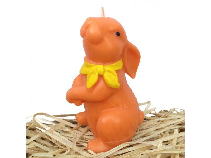 Ručně malovaná svíčka - velikonoční zajíc se žlutým šátkem 11.5 cm oranžový