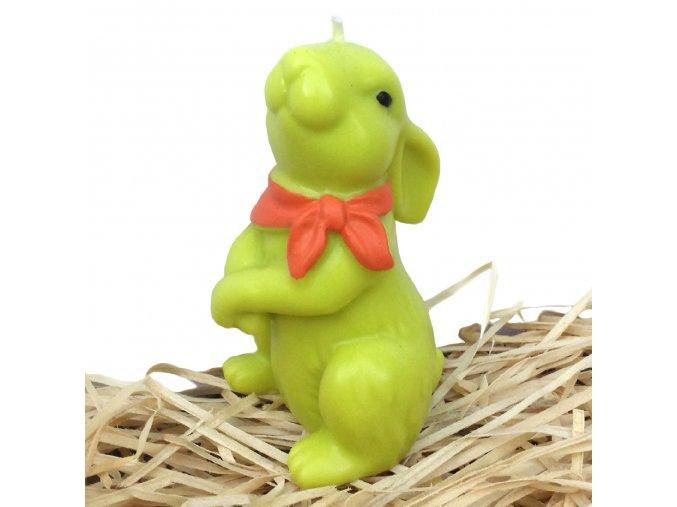 Ručně malovaná svíčka - velikonoční zajíc s oranžovým šátkem 11.5 cm zelený