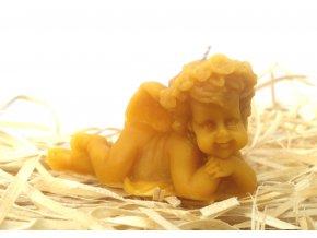 Svíčka ze včelího vosku - ležící andílek