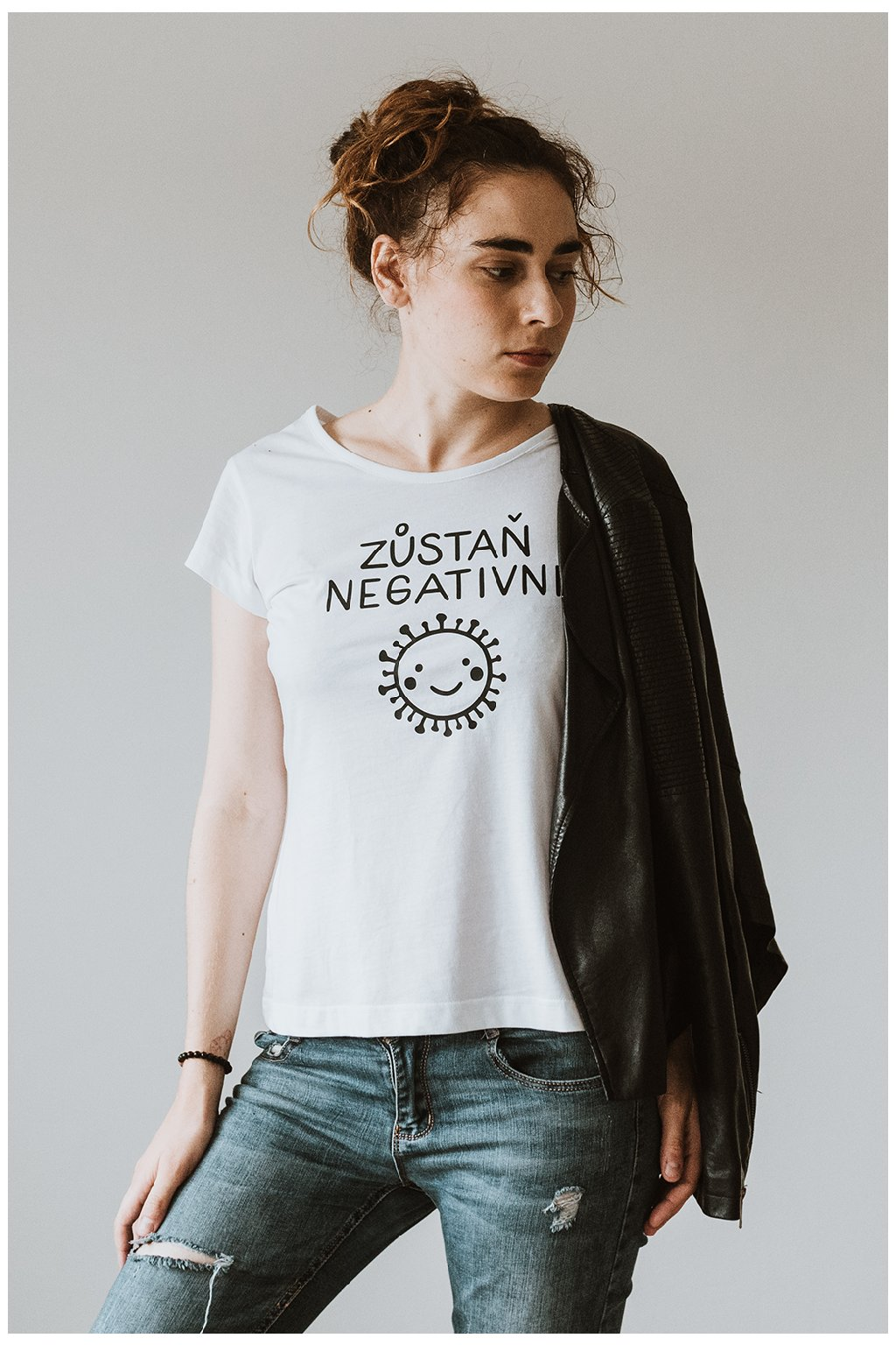 Svlíkárna Zůstaň Negativní tričko dámské - fotka - svlikarna.cz