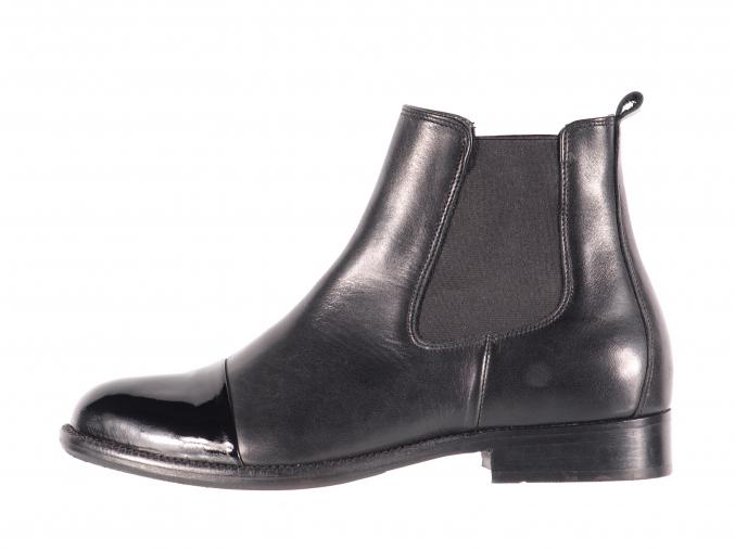 Dámská elegantní kožená kotníková obuv značky Ten Points  TP 204004 101 (Velikost 42, barva 101 černá)