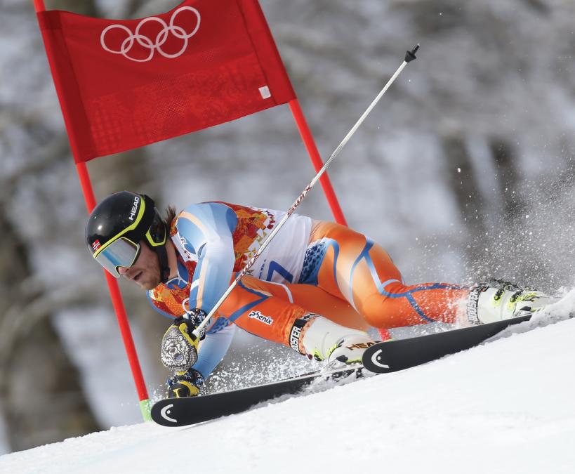 Příprava hran sjezdových lyží