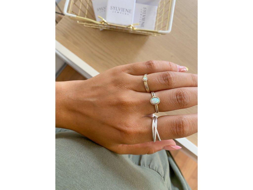 Stříbrný trojitý propojený prstýnek