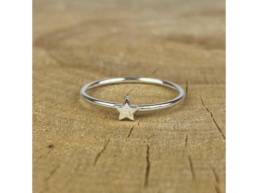 Stříbrný prstýnek Star (Velikost 9/60)
