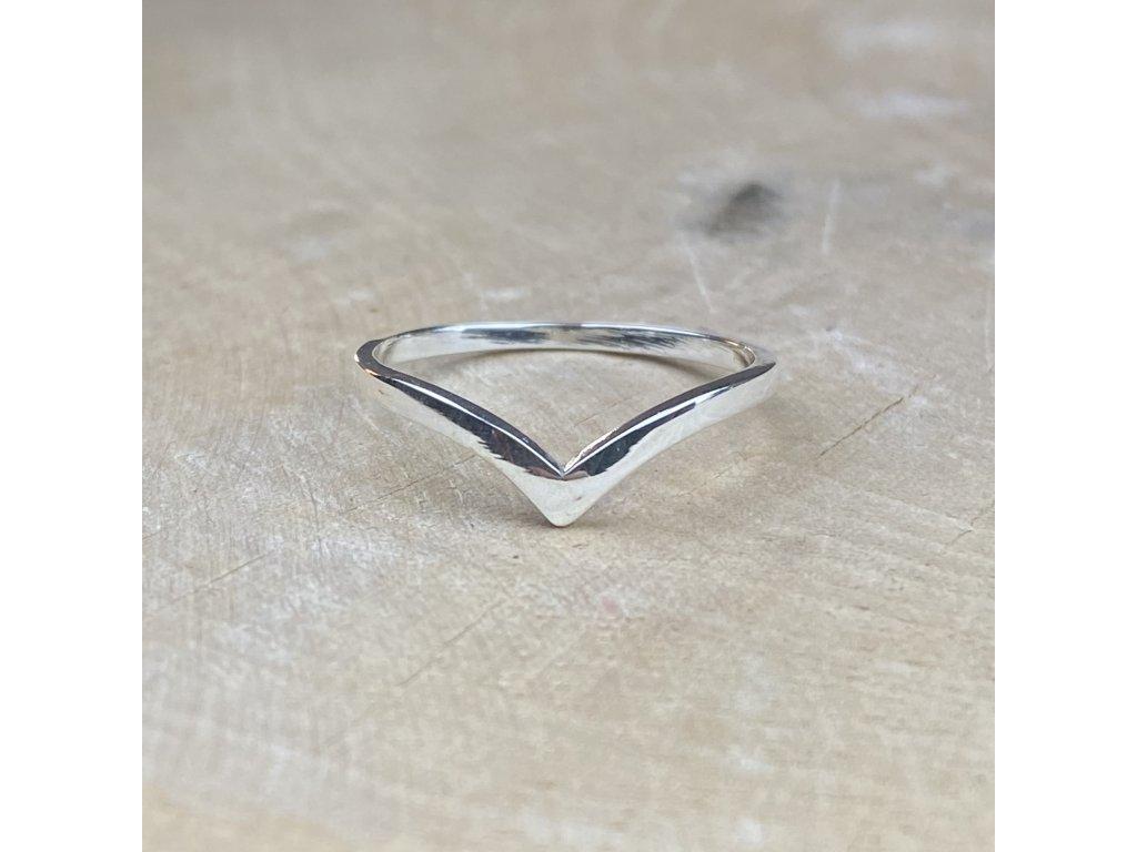 Stříbrný prstýnek Chevron  Ag 925/1000