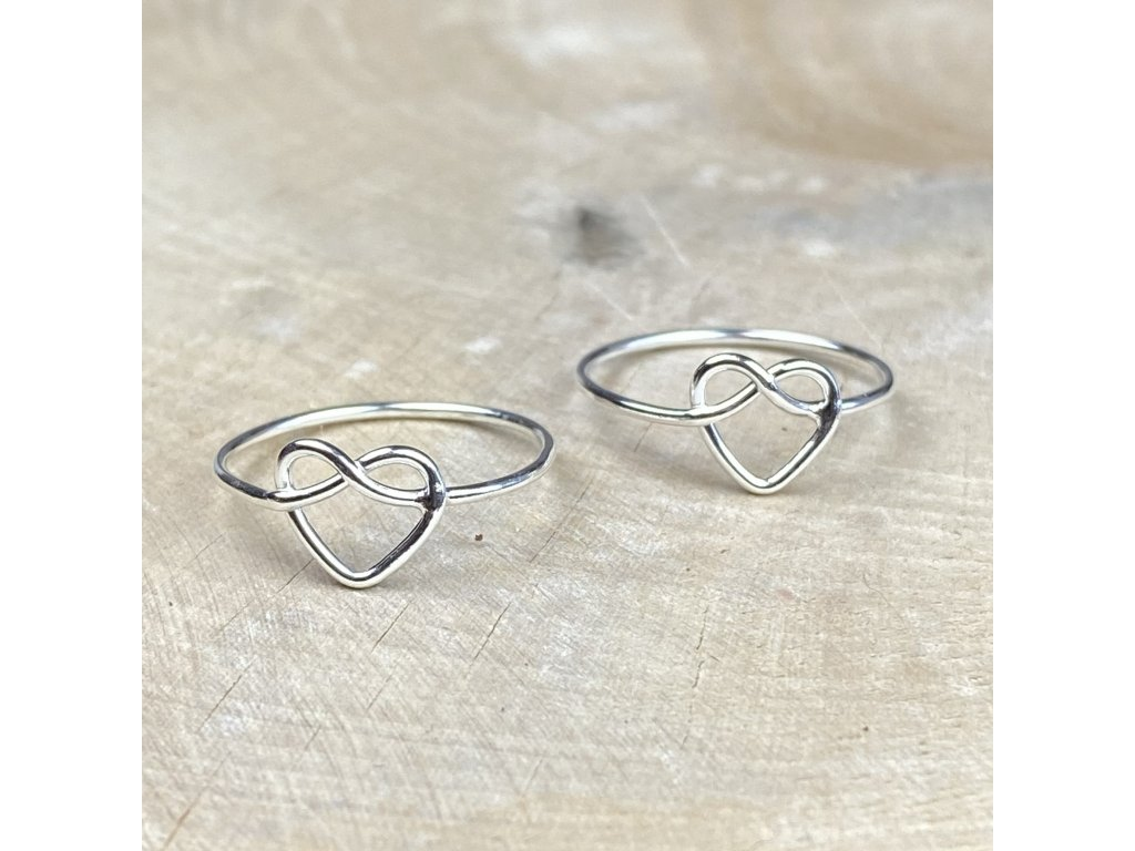 Stříbrný prstýnek Heart II  Ag 925/1000