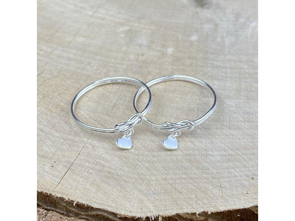 Stříbrný prstýnek Uzlík se srdíčkem  Ag 925/1000