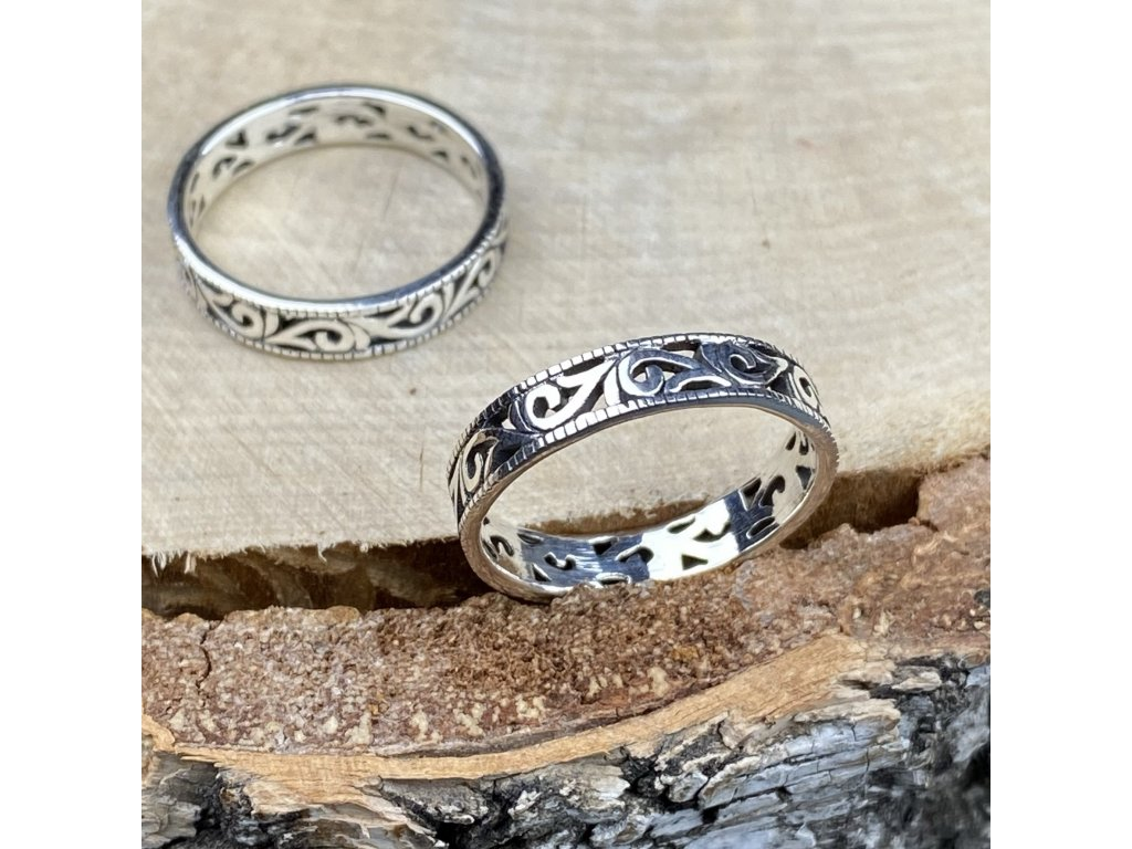 Stříbrný prstýnek Ornament  Ag 925/1000