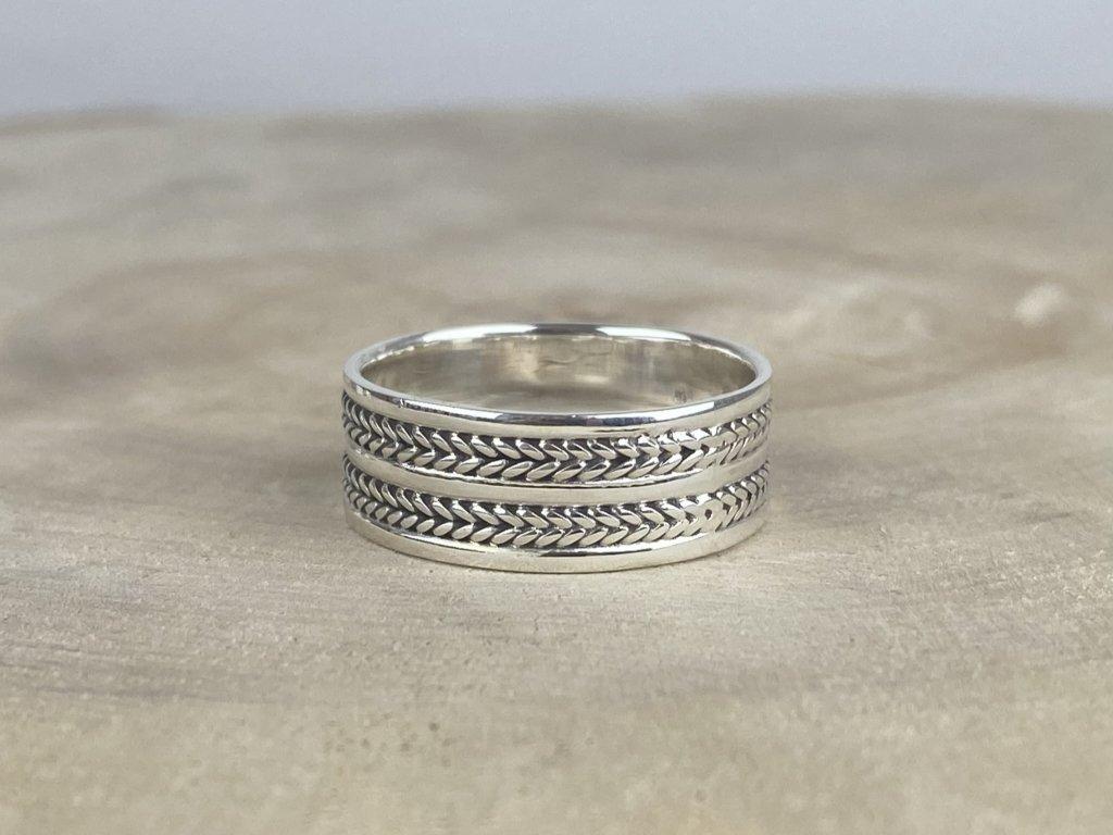 Stříbrný prsten pro muže oxidovaný 8 mm