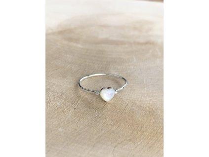 Stříbrný prstýnek Shell Heart (Velikost 9/60)