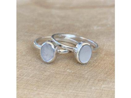 Stříbrný prstýnek Oval White Shell (Velikost 9/60)