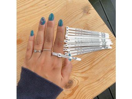 Pásek na měření velikosti prstýnků