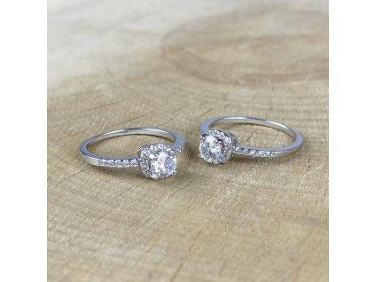 Stříbrný prstýnek se Zirkony (Velikost 7/54-55)