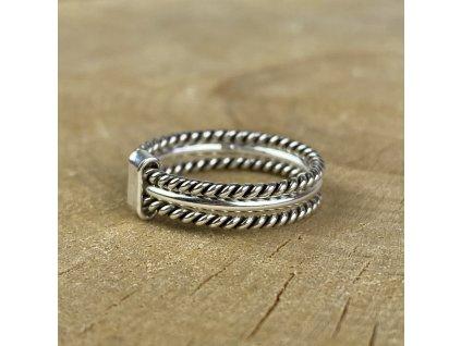 Stříbrný trojitý prstýnek (Velikost 9/60)
