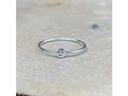 Stříbrný prstýnek s kamínkem Růženínu  Ag 925/1000