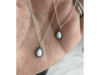 Stříbrný náhrdelník Kapka oxidovaná s Opálem  Ag 925/1000