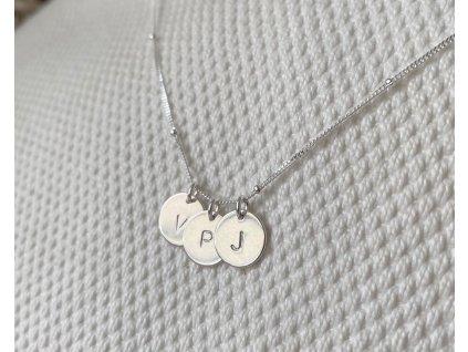 Stříbrný náhrdelník AMELIA s ražbou iniciálů  Ag 925/1000