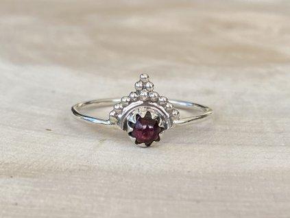 Stříbrný prstýnek Boho Granát  Ag 925/1000