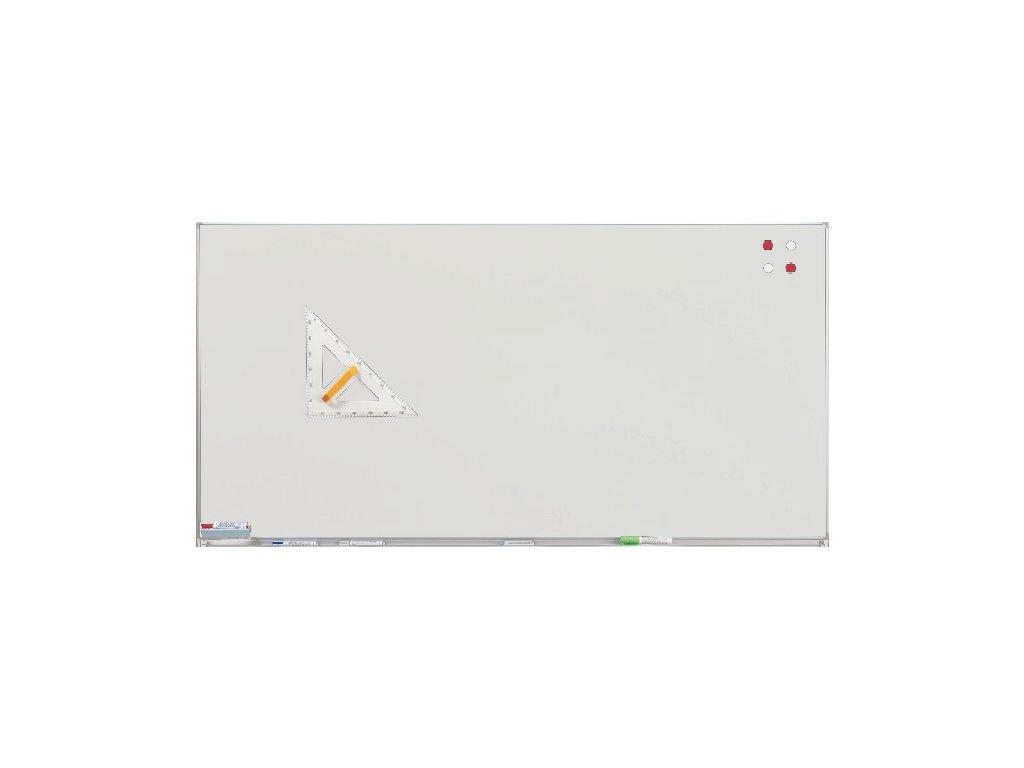 Bílá školní tabule na fixy s lištou na zeď
