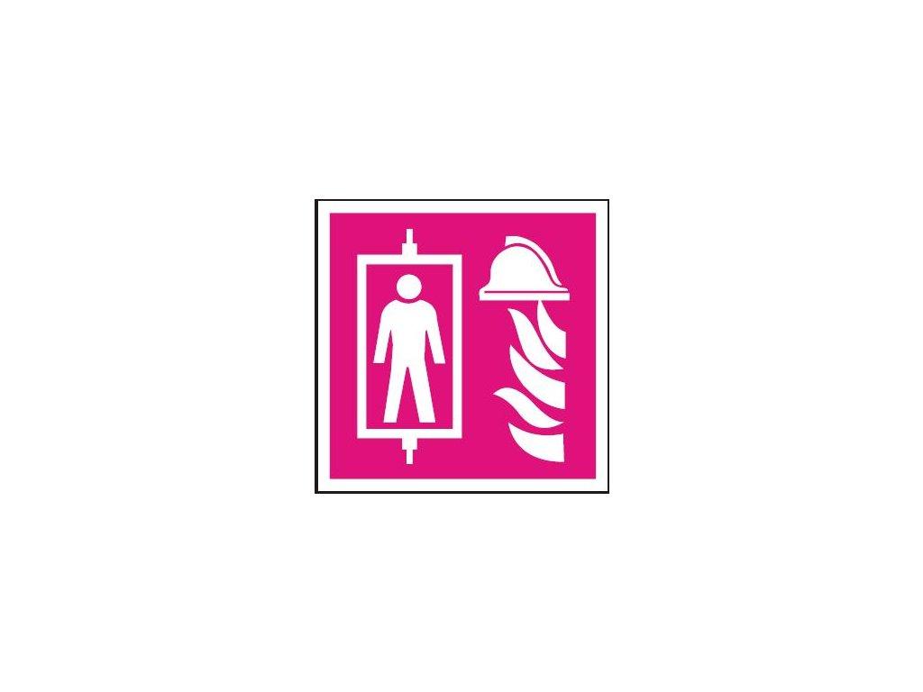 Symbol - požární výtah