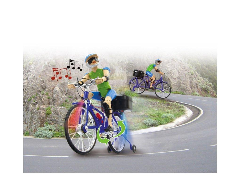 Cyklista s realistickými pohyby a hudbou