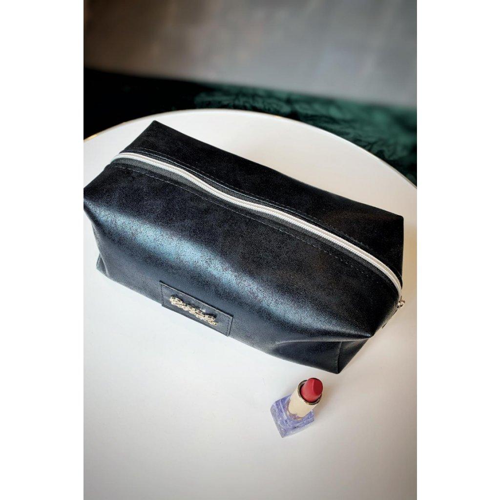 Černá cestovní kosmetická taška