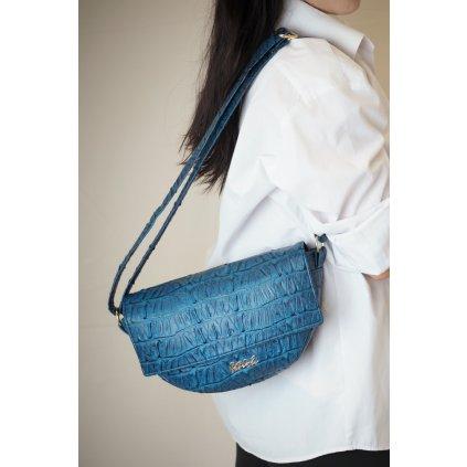 Modrá sedlová kabelka
