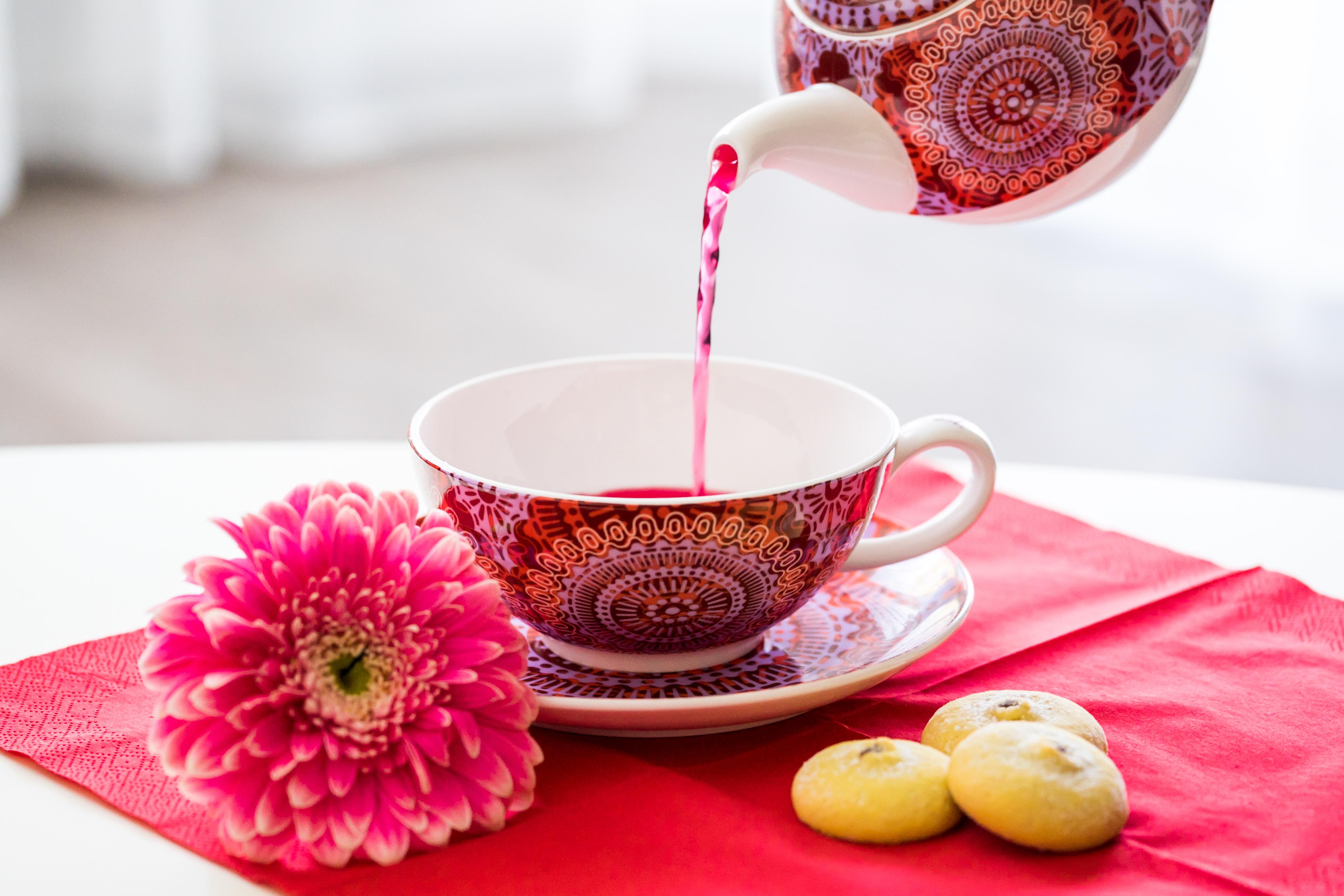 Tea-for-one-tasse-sonji-fine-bone-china