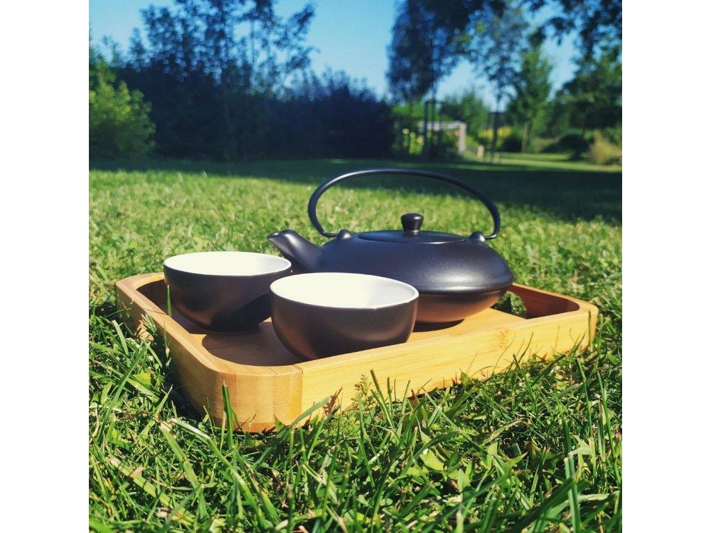 Yamina -  porcelánová čajová souprava 0,1 l/ 0,45 l černá s bambusovým tácem