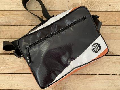 Taška s příběhem z Afriky malá / Bag made from Recycled Truck Tarp