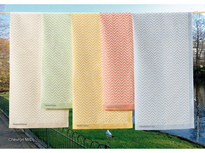 hladce tkaný ručník Chevron