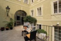 Appia Hotel Residence doporučuje zahradní nábytek Nünning