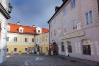 Bellevue Hotel Český Krumlov poskytuje návštěvníkům pohodlí díky nábytku Nünning