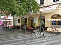 Cake Cafe Praha doporučuje zahradní nábytek Nünning