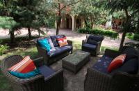 Hotel Frýdl Praha nabízí posezení v pohovce Bari od nábytku Nünning