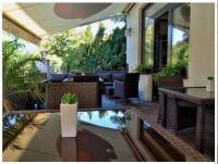 Hotel Golfi v Poděbradech dopřává hostům posezení v zahradním nábytku kolekce Daylight od nábytek Nünning