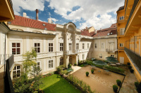Hotel Pachtův Palác Praha 1 používá nábytek Nünning