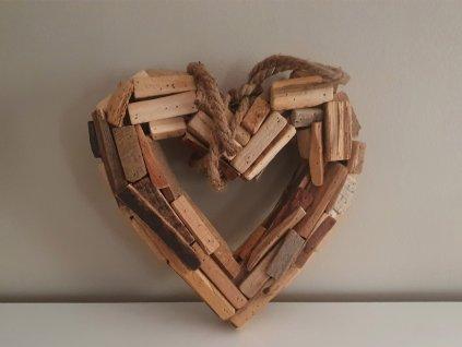 Dekorace ze dřeva