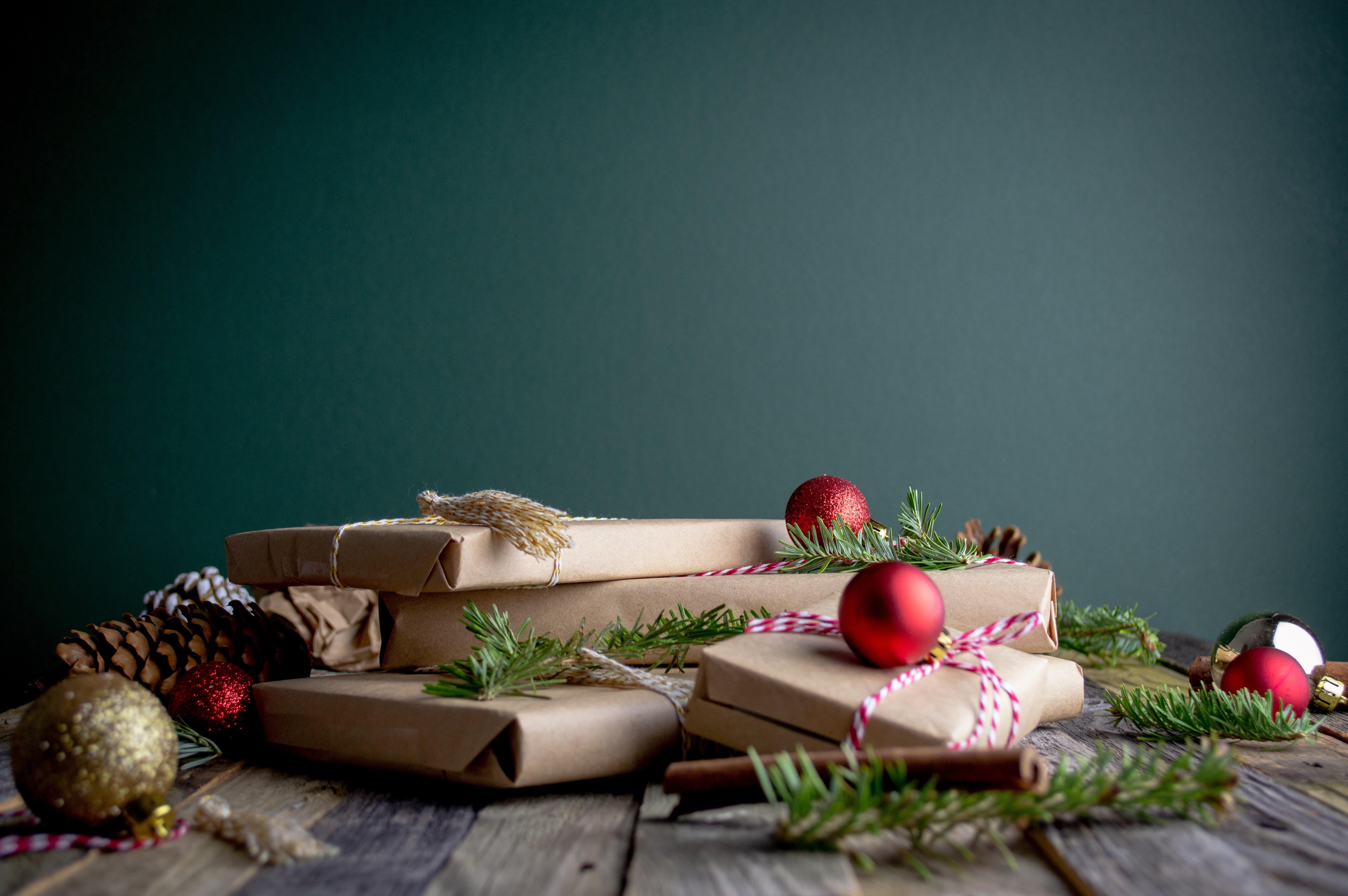 Jak vyřešit vánoční dárky (i bez peněz)?