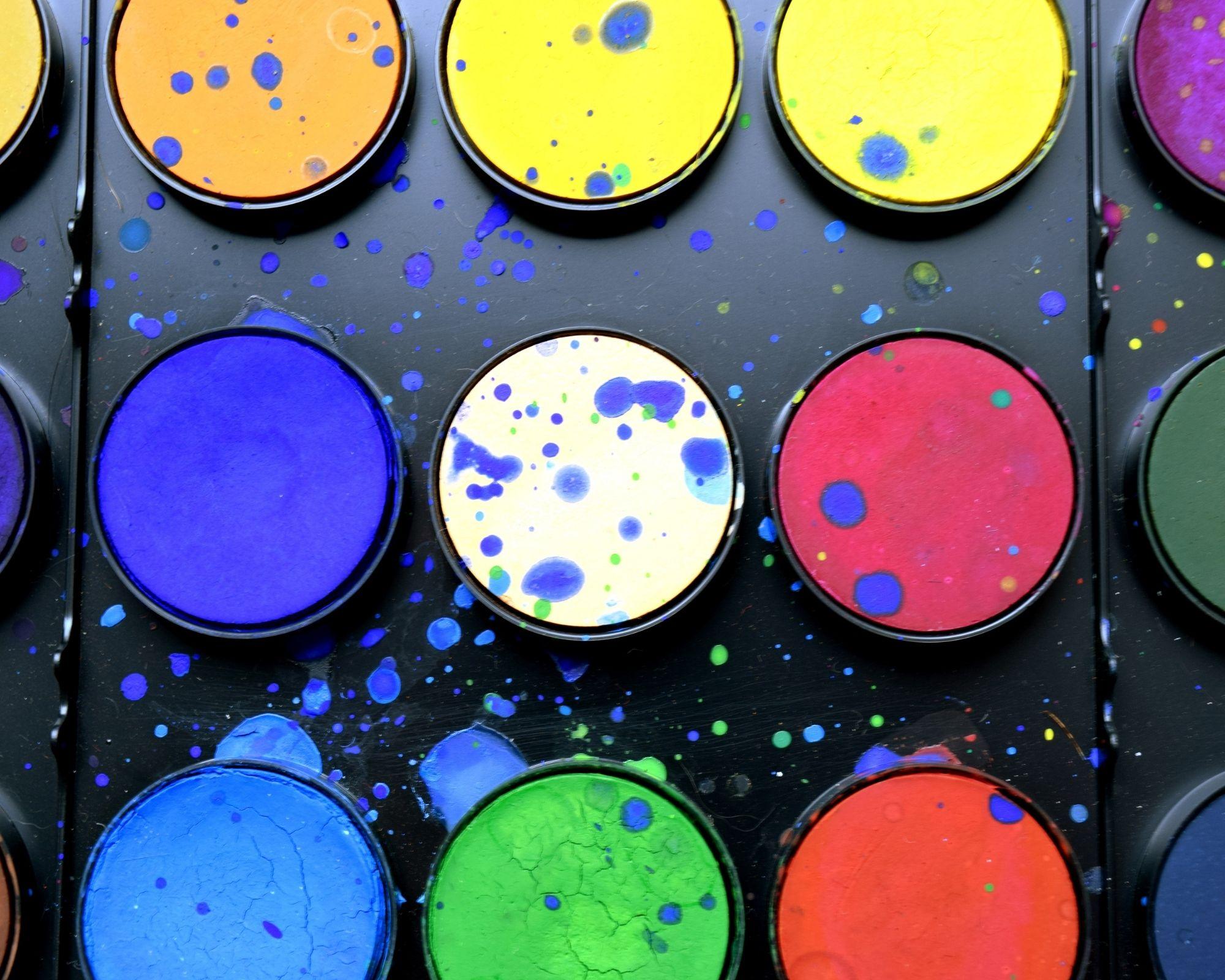A palettaméret számít, avagy miért vagyunk piacvezetők a számok szerinti festés terén