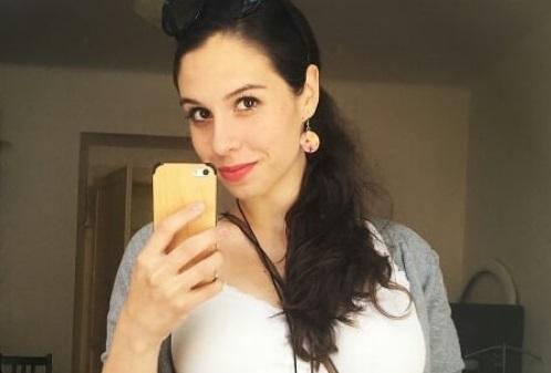 Herečka Tereza Vítů v těhotenství nosí jediný šperk...naši rolničku :)