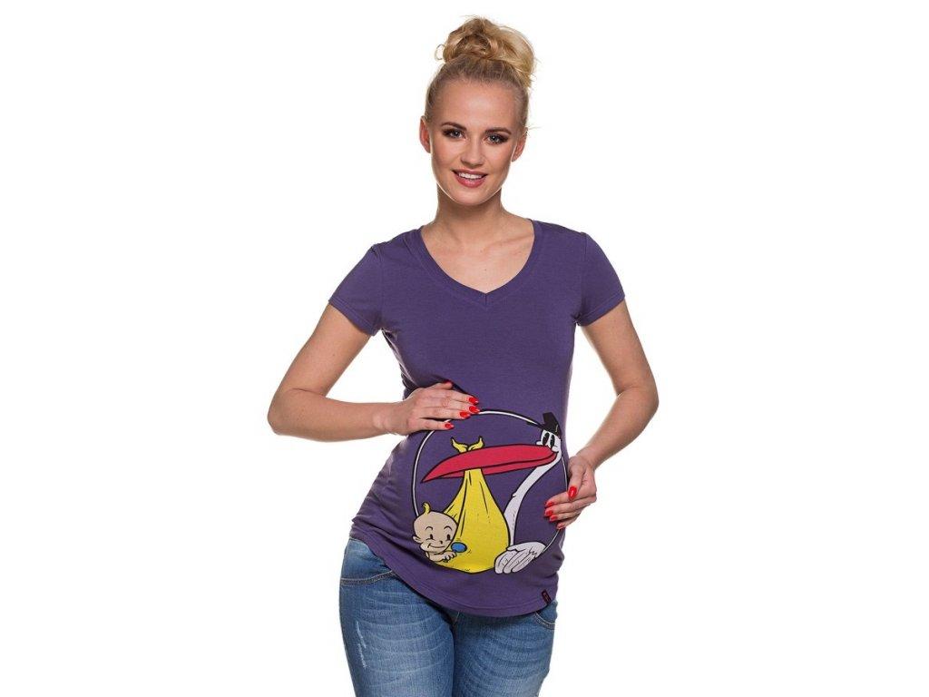 P375 Těhotenské tričko s potiskem čáp nese dítě fialové