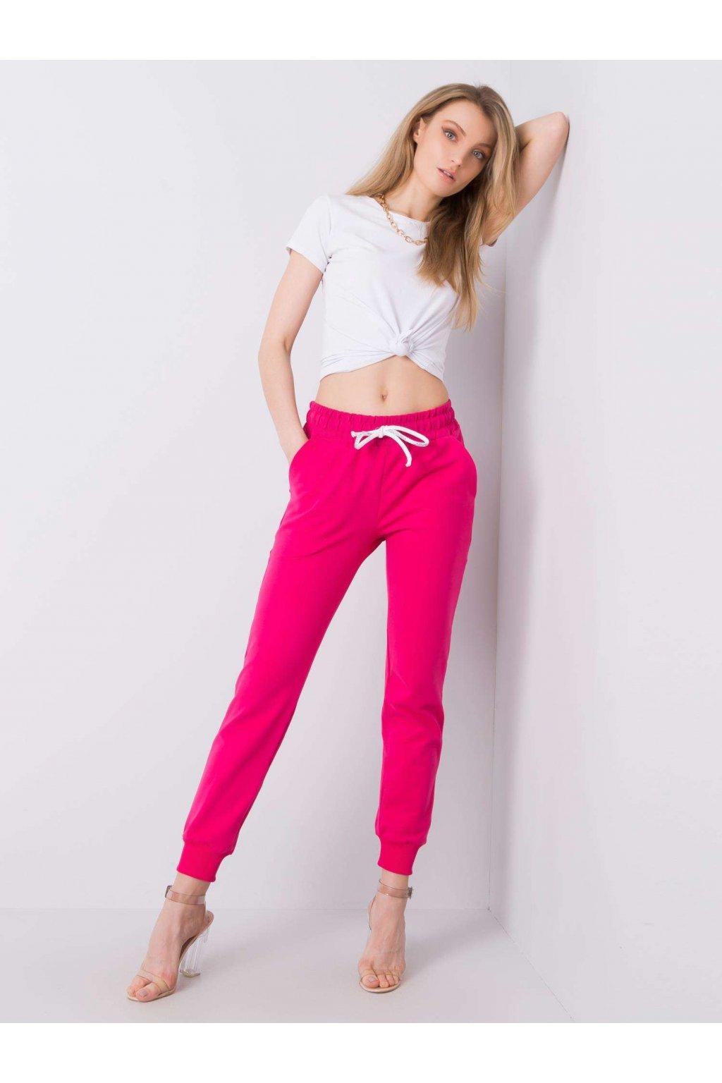 pol pl Rozowe spodnie dresowe Justine 361952 1