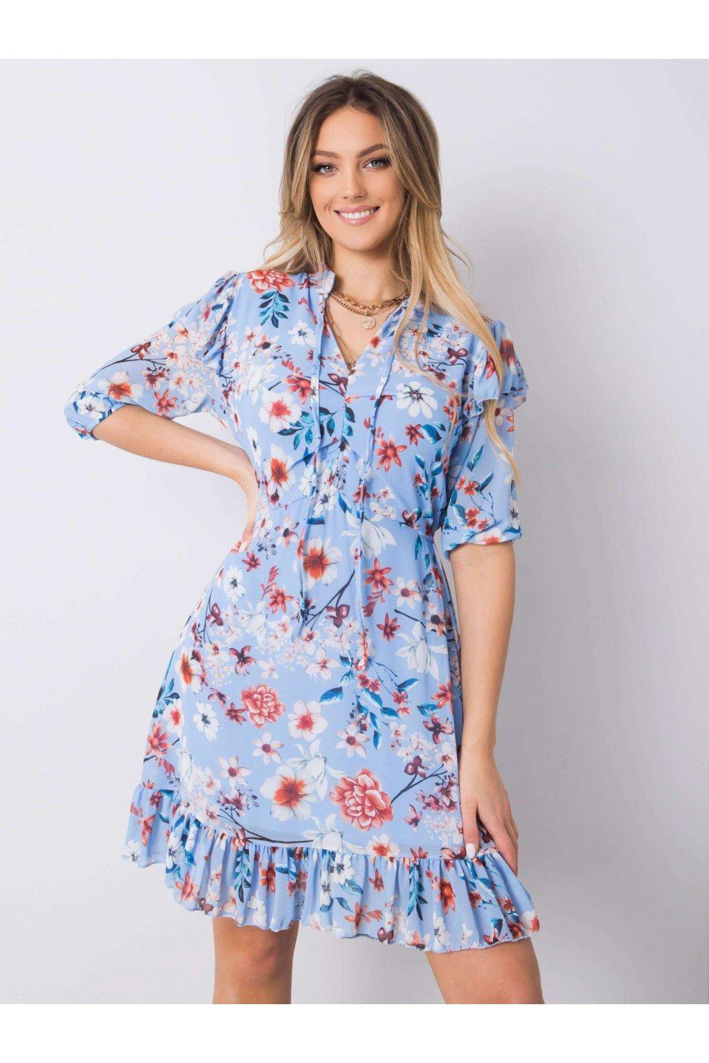 pol pl Niebieska sukienka w kwiaty Verity 364092 1