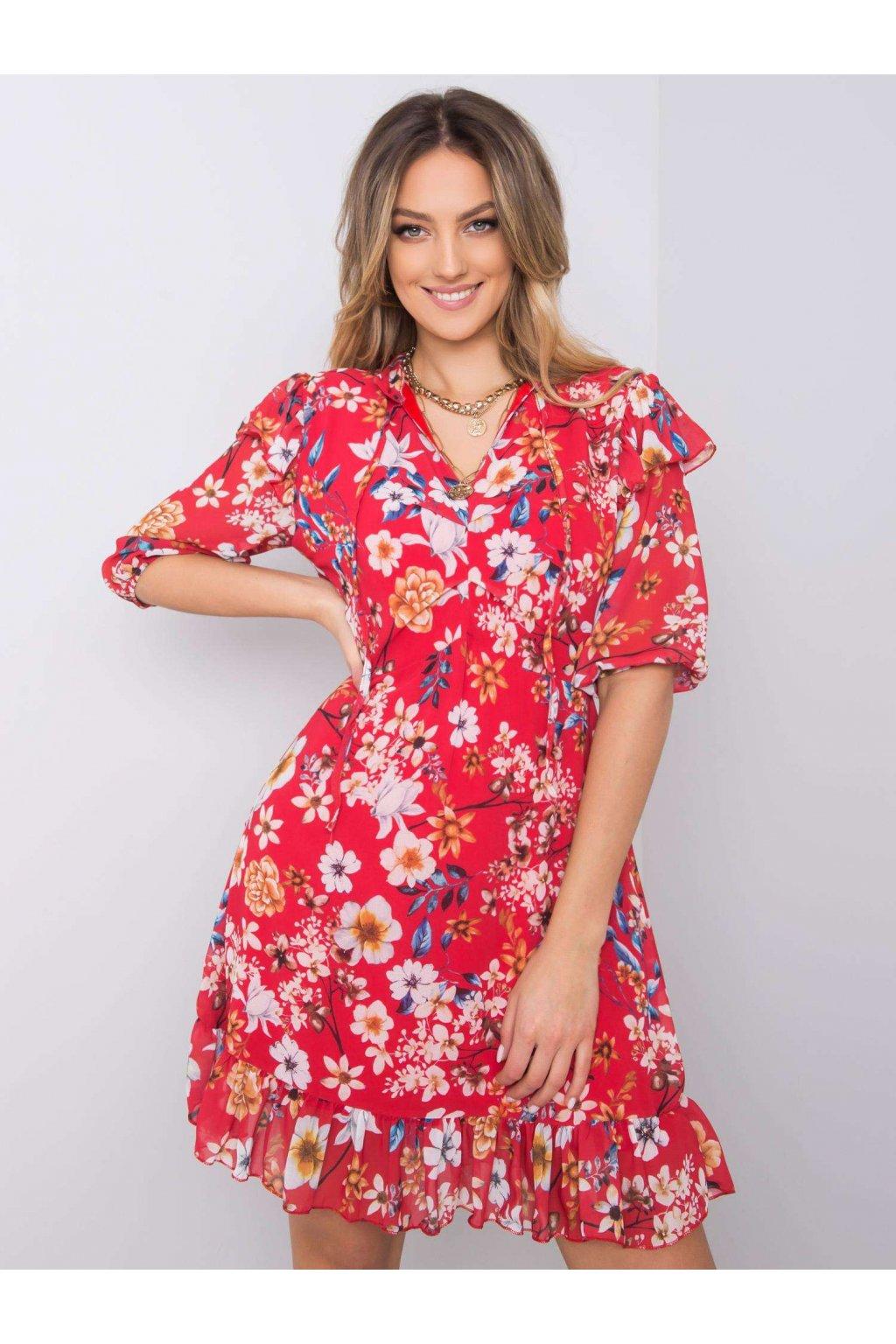 pol pl Czerwona sukienka w kwiaty Verity 364095 1