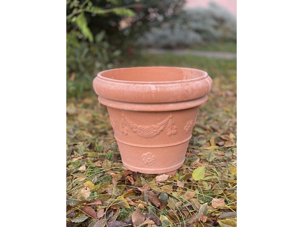 terakotová nádoba