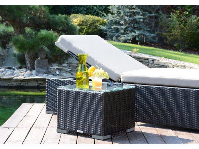 Ratanový zahradní nábytek Bikini stolek k lehátkuNero
