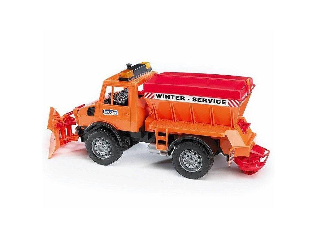 BRUDER 02572 Mercedes Unimog pro zimní práce s radlicí a sypač