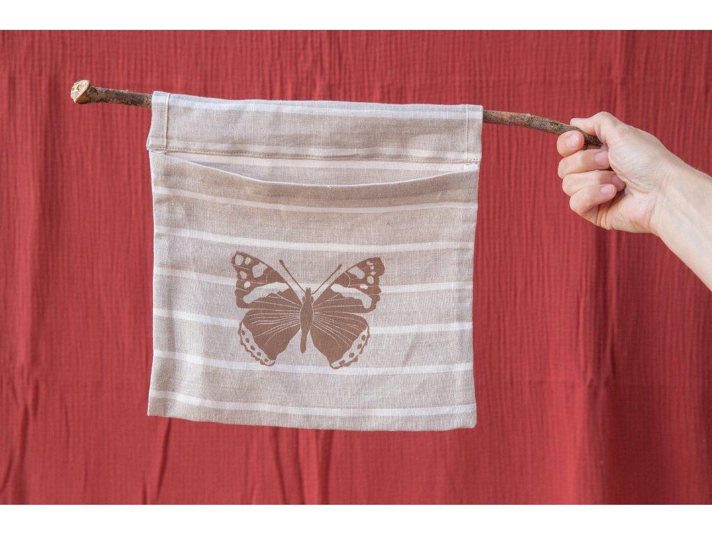Kapsa na klacíku Motýl