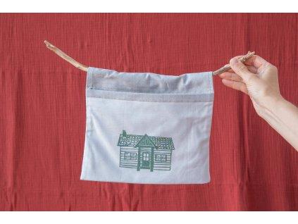 Kapsa na klacíku Doma v zelené